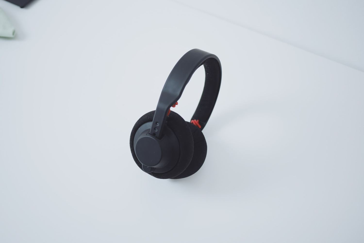 Listen to your music while staying on the go. Check out wireless headphones at CellularOutfitter today!