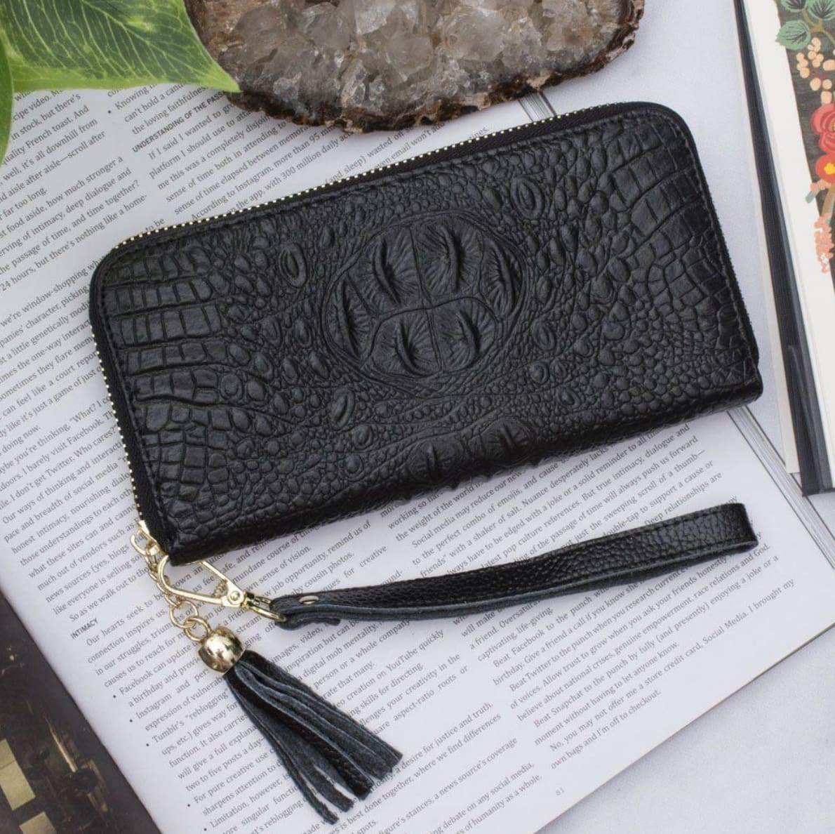 Little Black Clutches For Every Occasion  - Photo #11