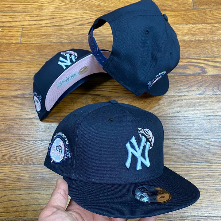 NEW ERA 950 SNAPBACK NY YANKEES 'MINI CAP' NAVY/PINK 100TH ANI SIDEPATCH