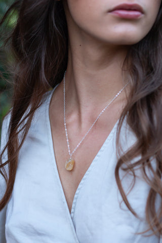 Dainty Citrine Lariat Necklace