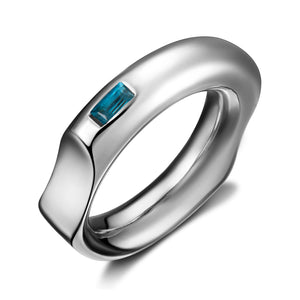 Curve Silver Ring with Blue Topaz
