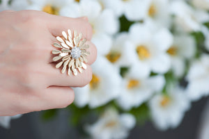 Sole Sunflower Kinetic Ring - Gold and Diamonds
