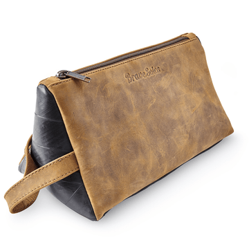 Montaña eco conscious leather unisex beauty travel case