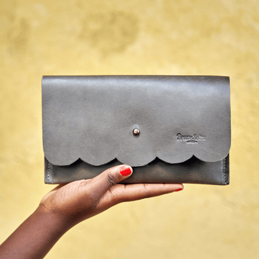 Paola Leather clutch