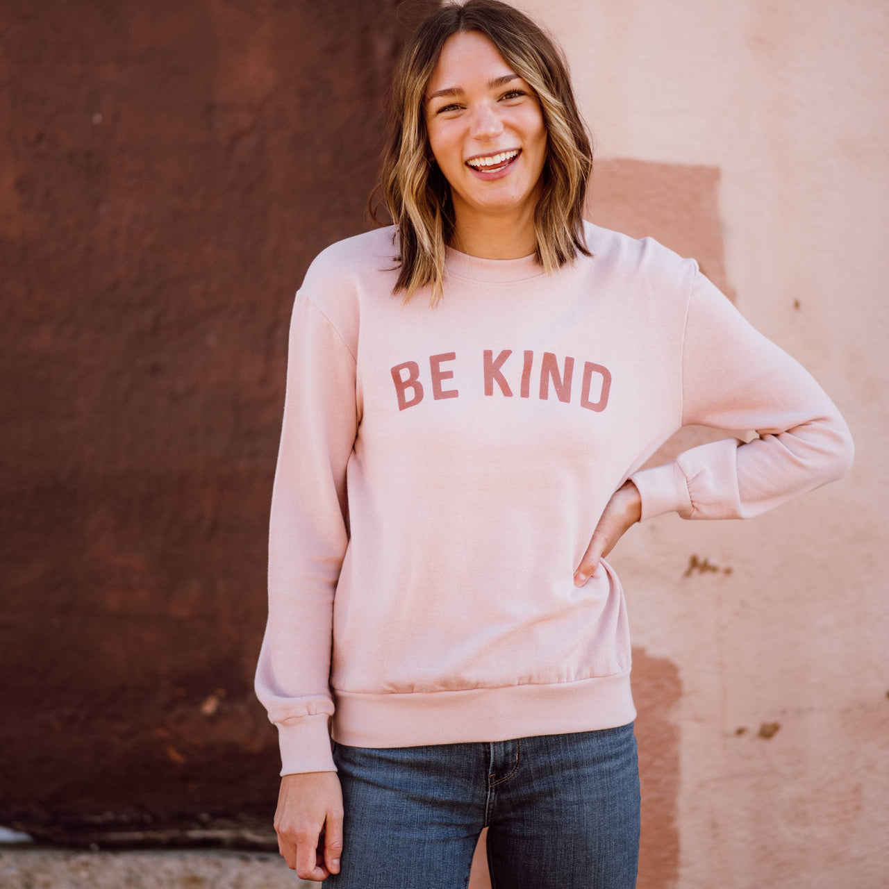 Be Kind Women's Sweatshirt - faded pink