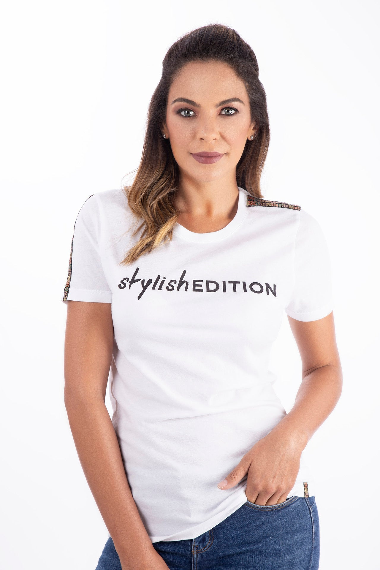 Stylish Edition T-Shirt T-Shirts - artTECA
