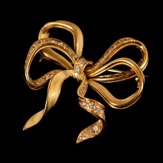 18K Yellow Gold Ribbon Pin with Diamonds