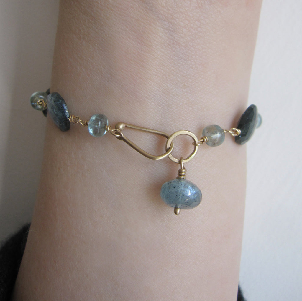 moss aquamarine solid 14k gold beaded bracelet4