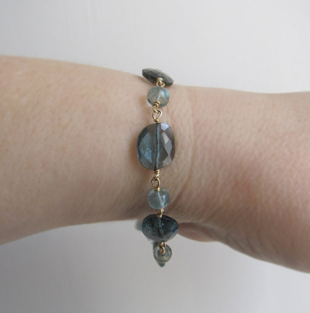 moss aquamarine solid 14k gold beaded bracelet2