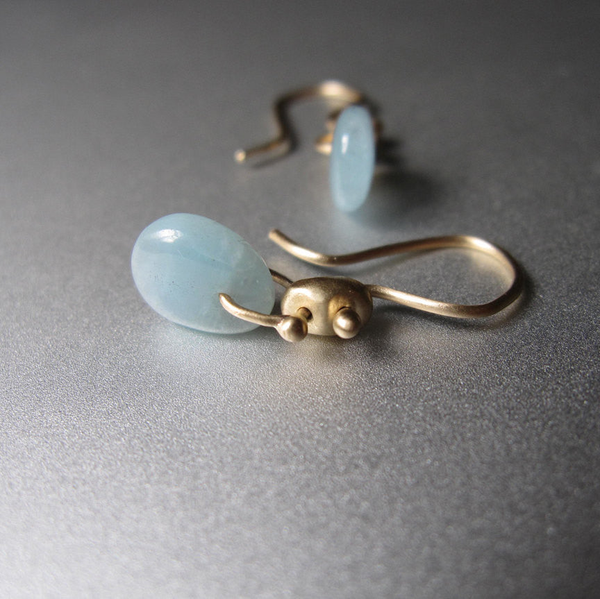 solid 14k gold marine link earrings with aquamarine