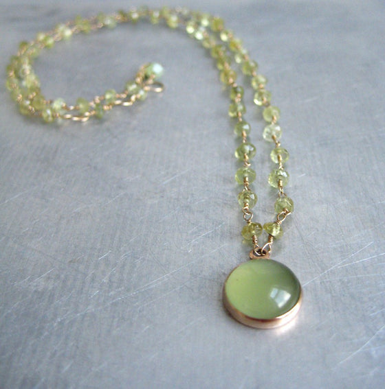 green garnet wire-wrapped bead chain with serpentine cabochon pendant. Solid 14k rose gold necklace