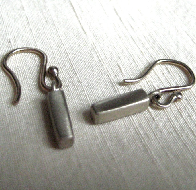 solid 14k white gold bar earrings2