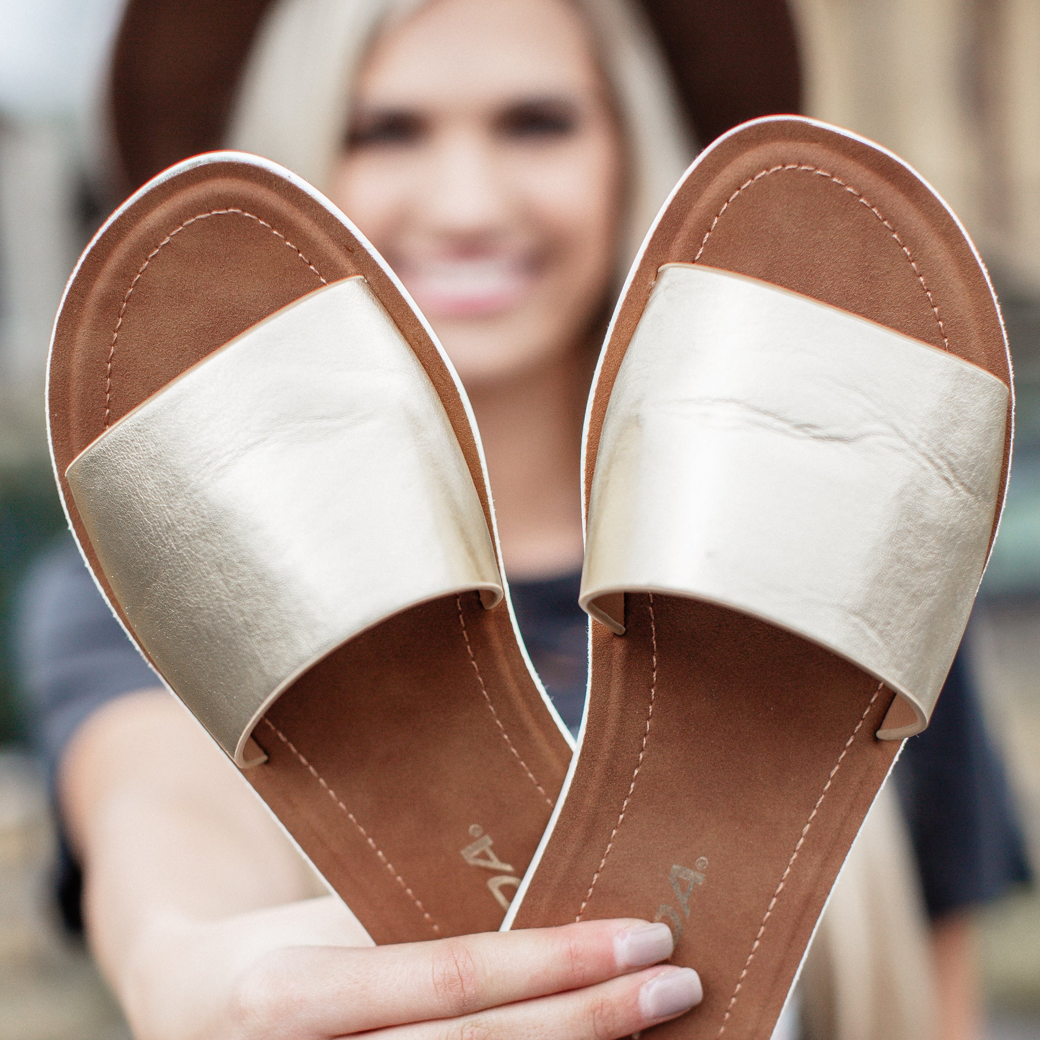 Efron One Strap Sandal (6-11) *GOLD