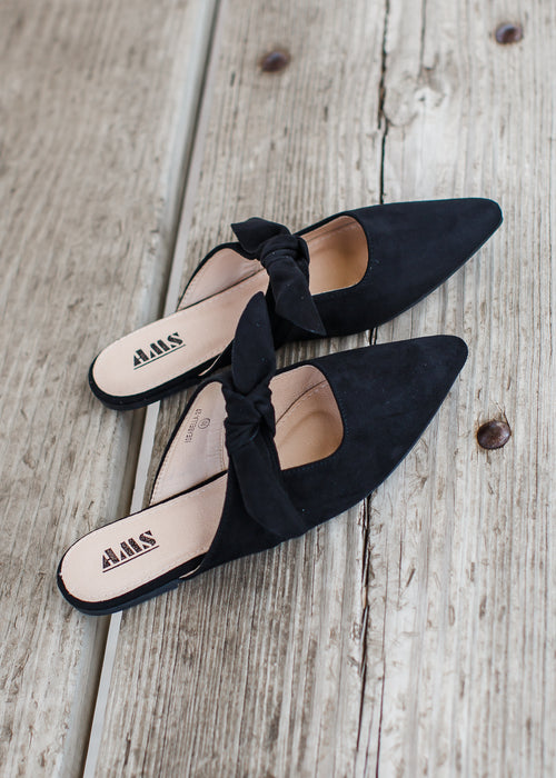 Mule Slip On *Black ( 6-11 ) ***SIZE UP WHOLE SIZE!