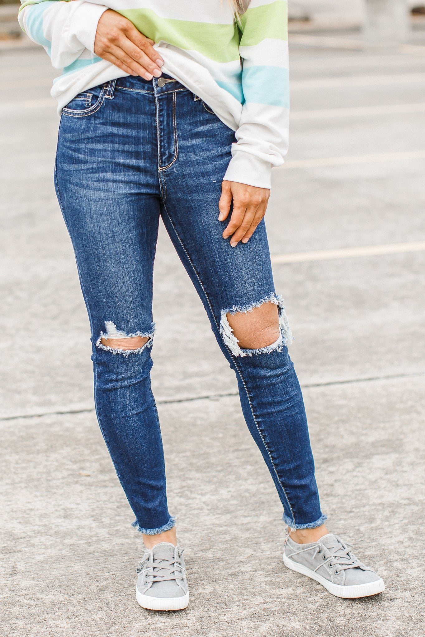 Mid Rise Knee Hole Jeans (1-22)