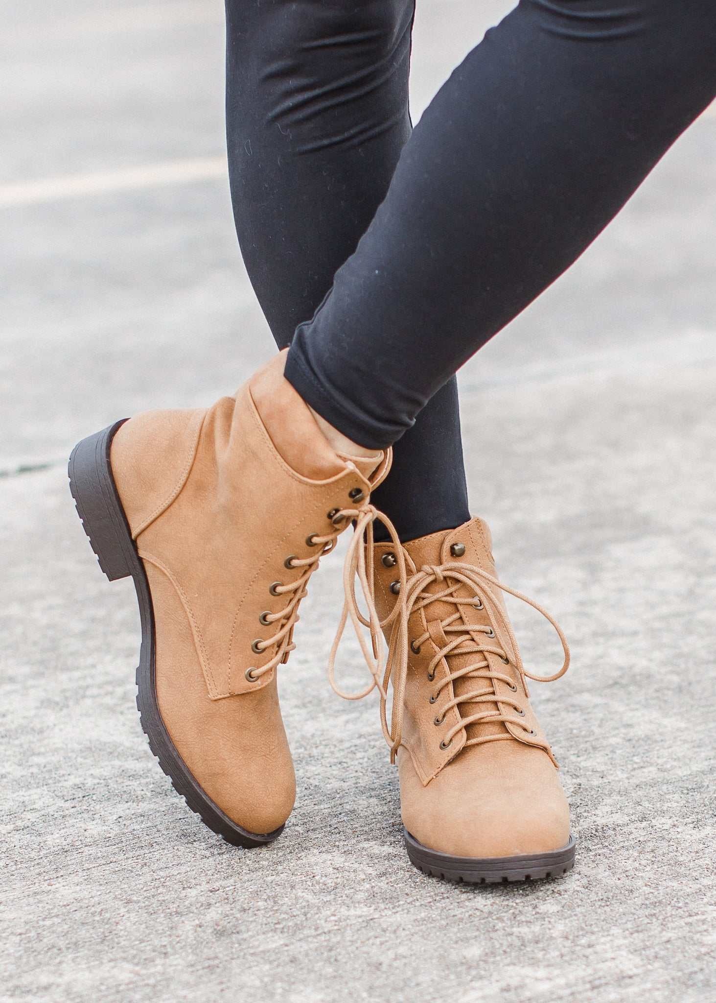 Roadside Boots (5.5-10) *TAN **SIZE UP 1/2 SIZE.