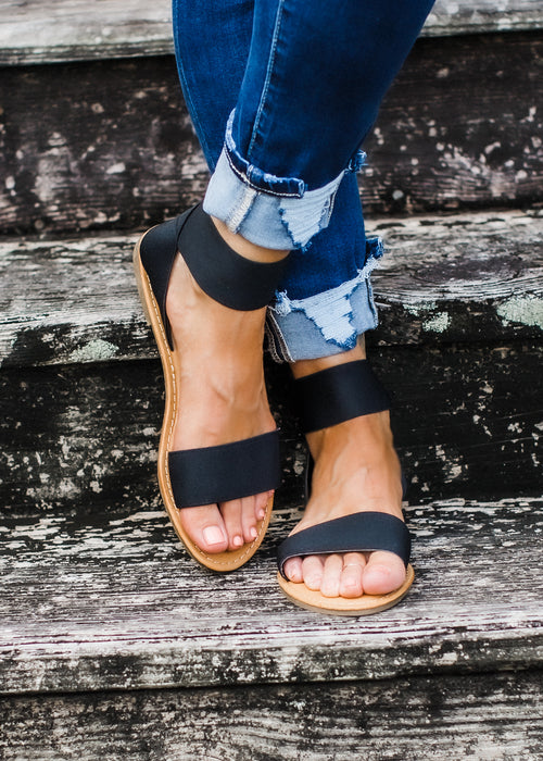 Black Sandals (6-10) *SIZE UP 1/2 SIZE!
