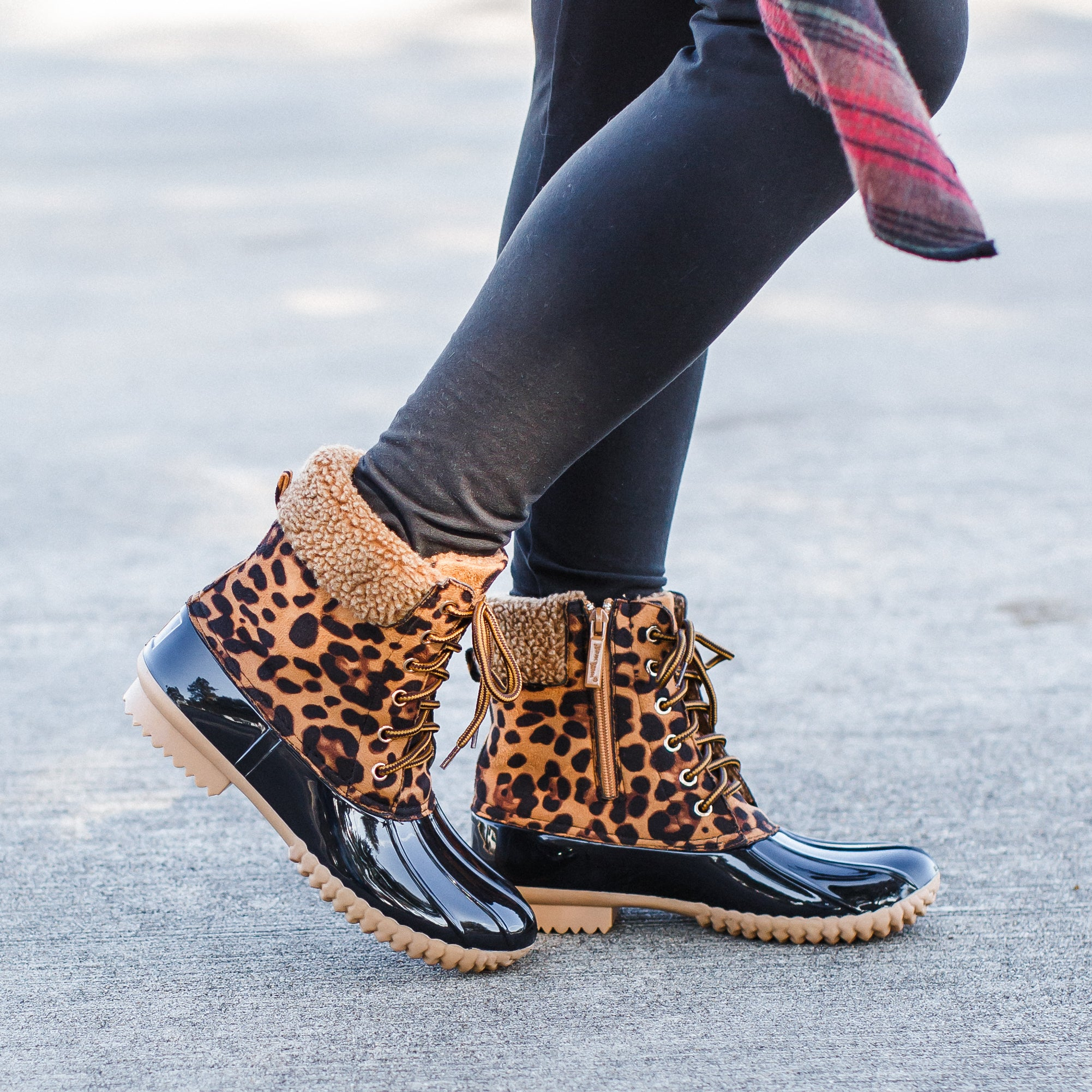 Leopard Duck Boots (5.5-10) *SIZE UP 1/2 SIZE.