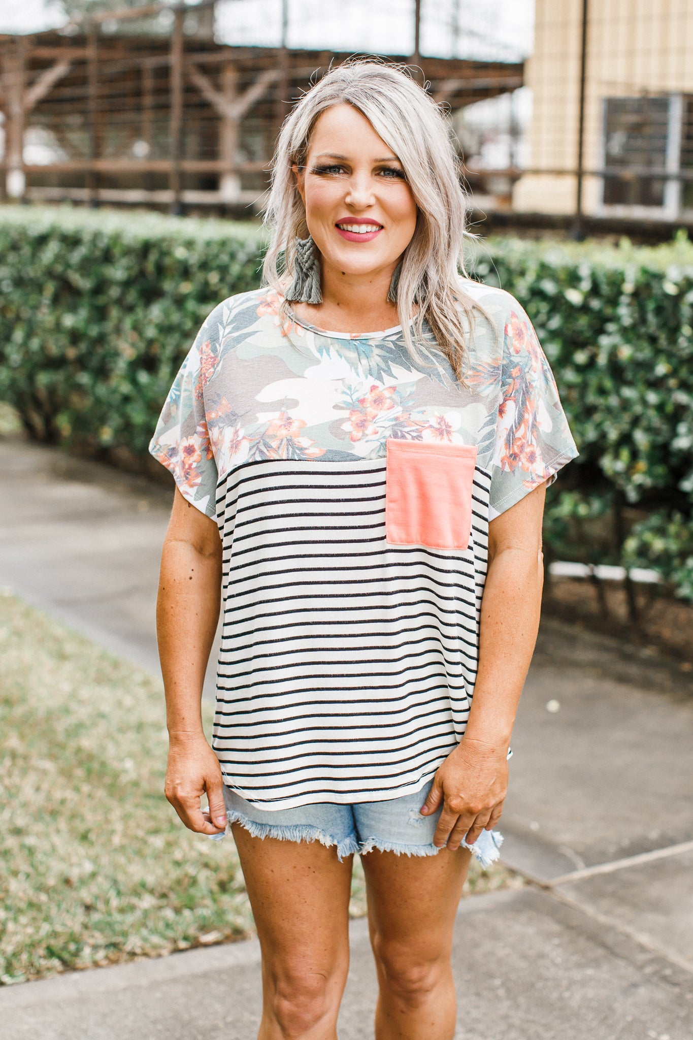 Tropical Stripe Top *CAN SIZE UP (S-XL)