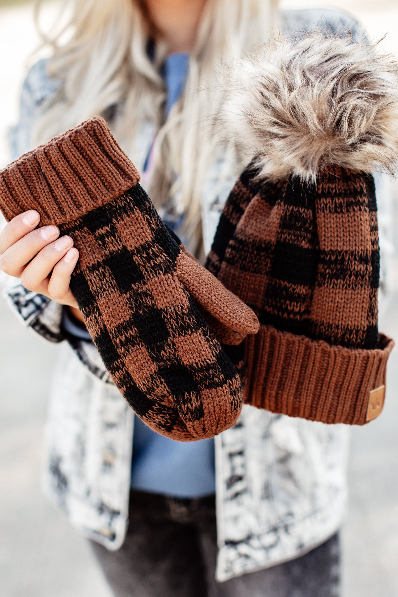 Checkered Fleece Lined Mittens *BROWN/BLACK