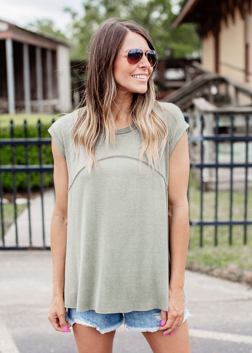 Willma Sleeveless Top (Can fit xl) *OLIVE