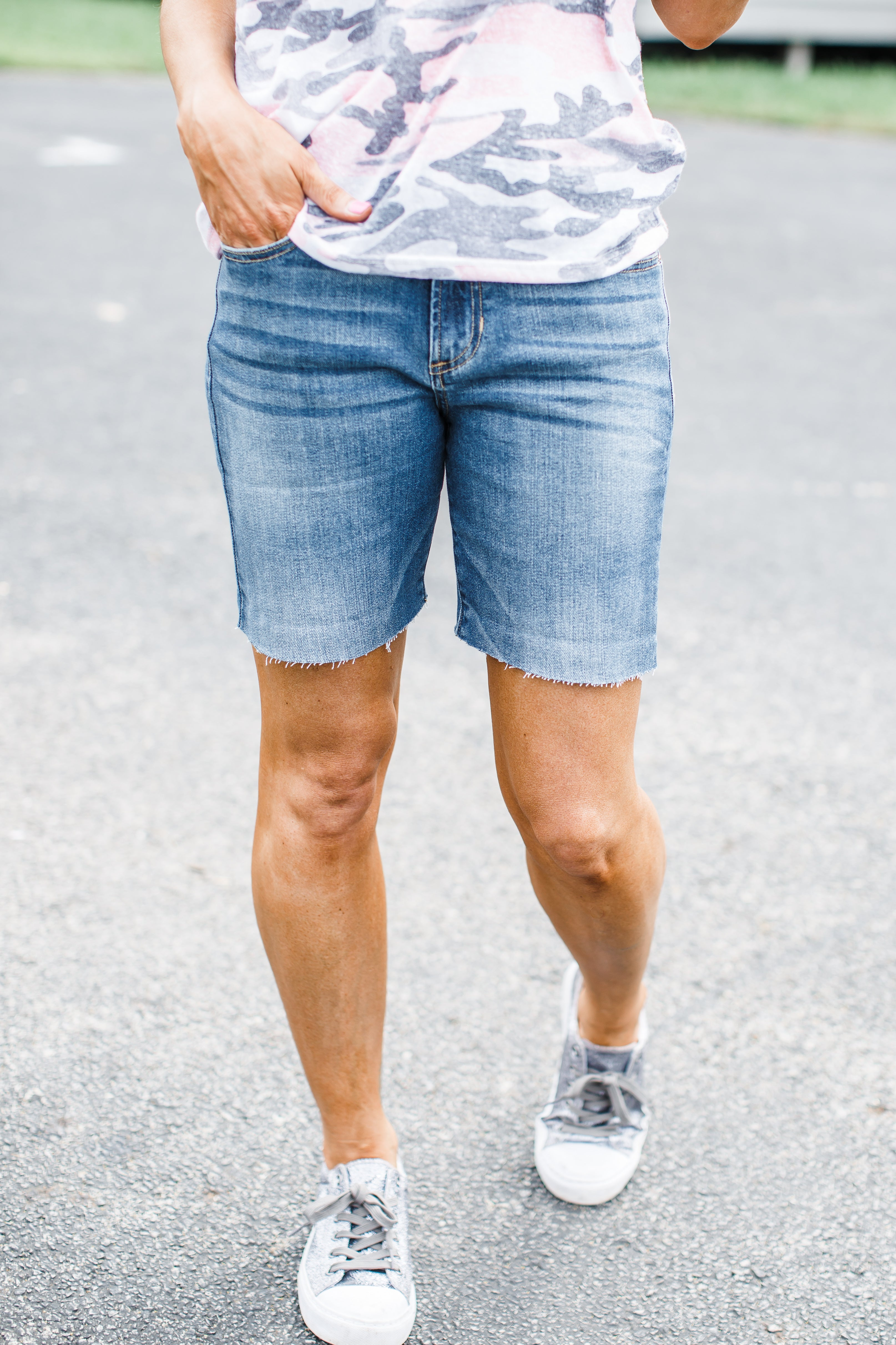 Cut Off Bermuda High Rise Shorts ( 1-13 )