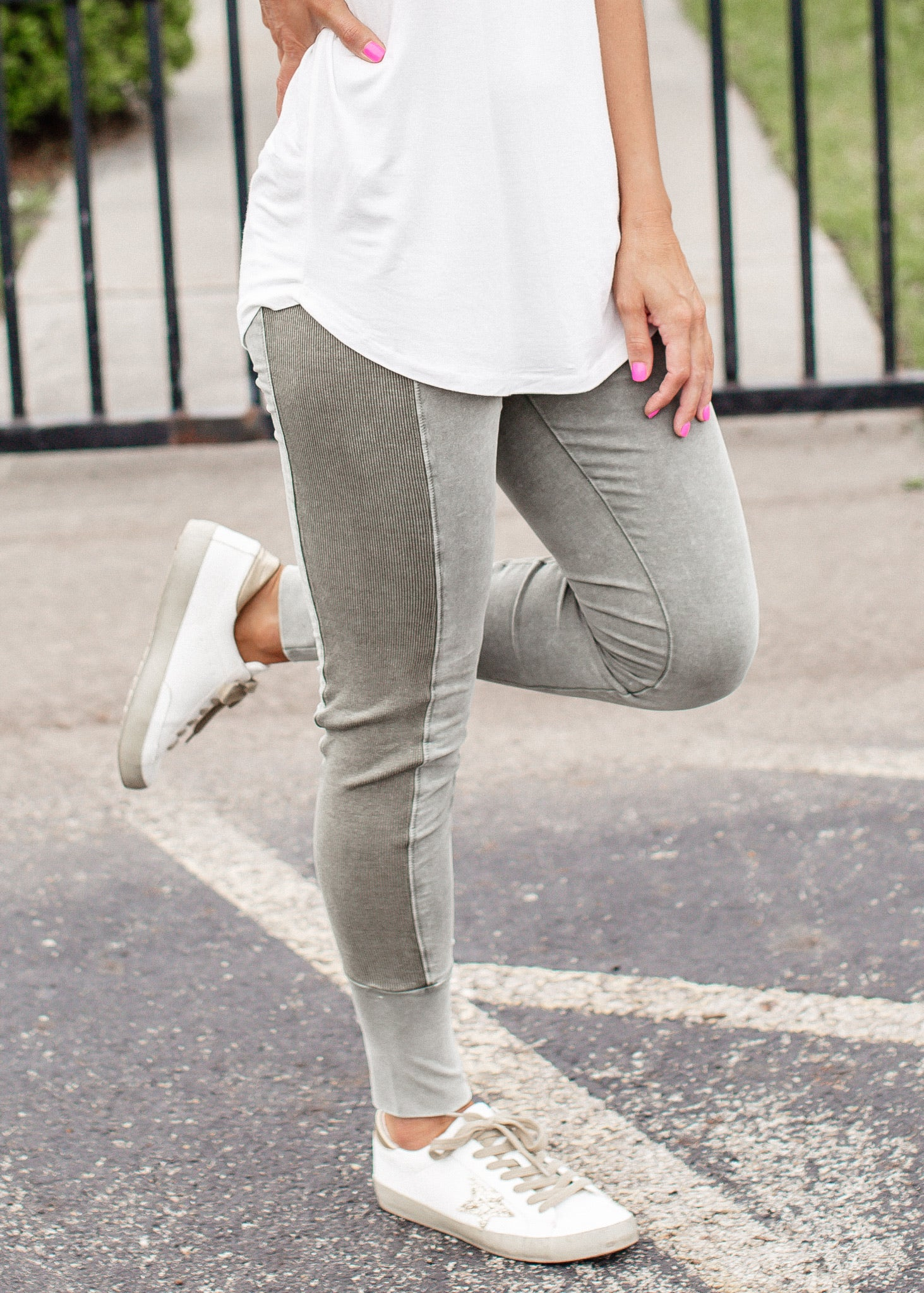 Faded Mineral Wash Leggings (CAN FIT XL) *OLIVE