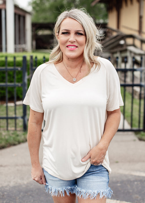 Relaxed Basic V-Neck Top *BONE