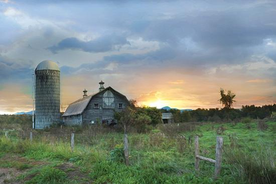 Lori Deiter LD1135 - New Morning in Vermont - Farm, Barn, Morning, Sunrise from Penny Lane Publishing