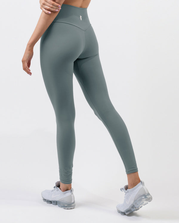 Reach Leggings - Sage