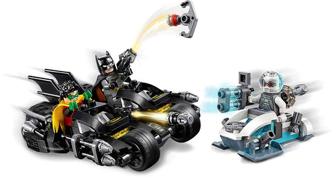 DC Batman Mr. Freeze Batcycle Battle 76118-4