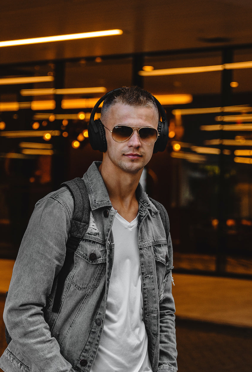 CR8-BASS Wireless Headphones