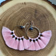 KIPAS POWDER PINK earrings