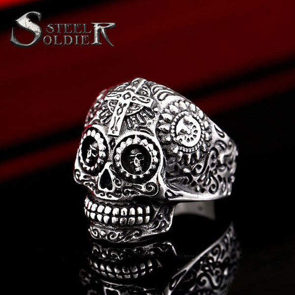 Unisex decorated skull ring