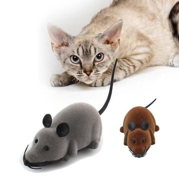 Remote-controlled fake mouse for cats and dogs