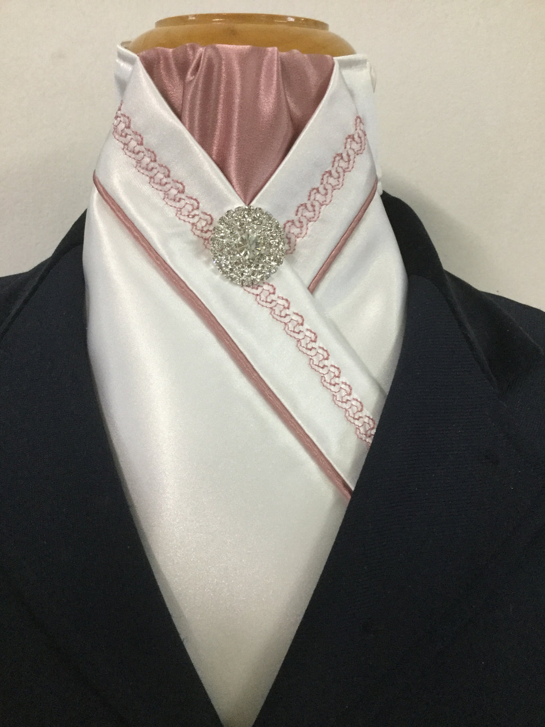 HHD White Satin Pretied Stock Tie Rose Pink Chain Embroidered