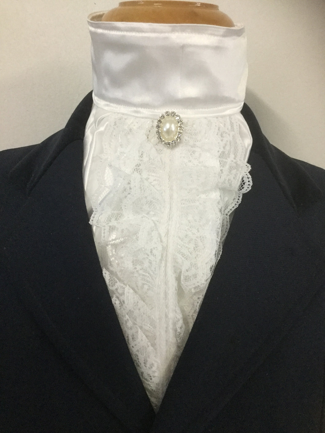 HHD White Satin Euro Stock Tie Vintage Lace 'Nelly'