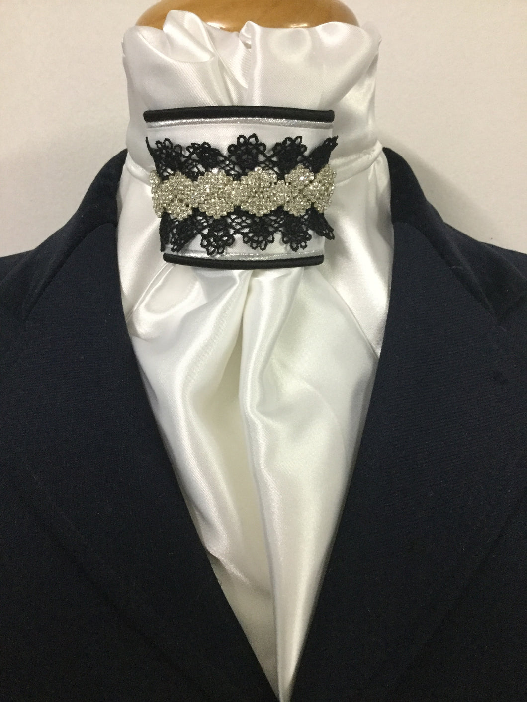 The HHD White Euro Stock Tie Diamonds & Lace in Black & Silver
