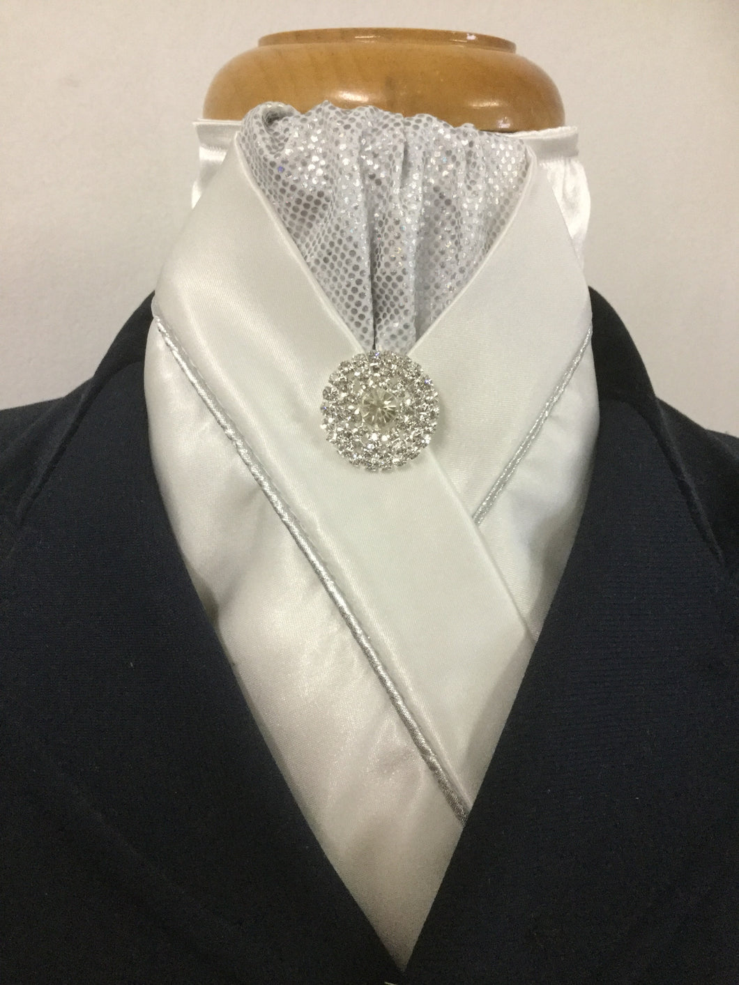 HHD 'Ellie' Ivory or White Custom Stock Tie in Silver with Rhinestone Pin