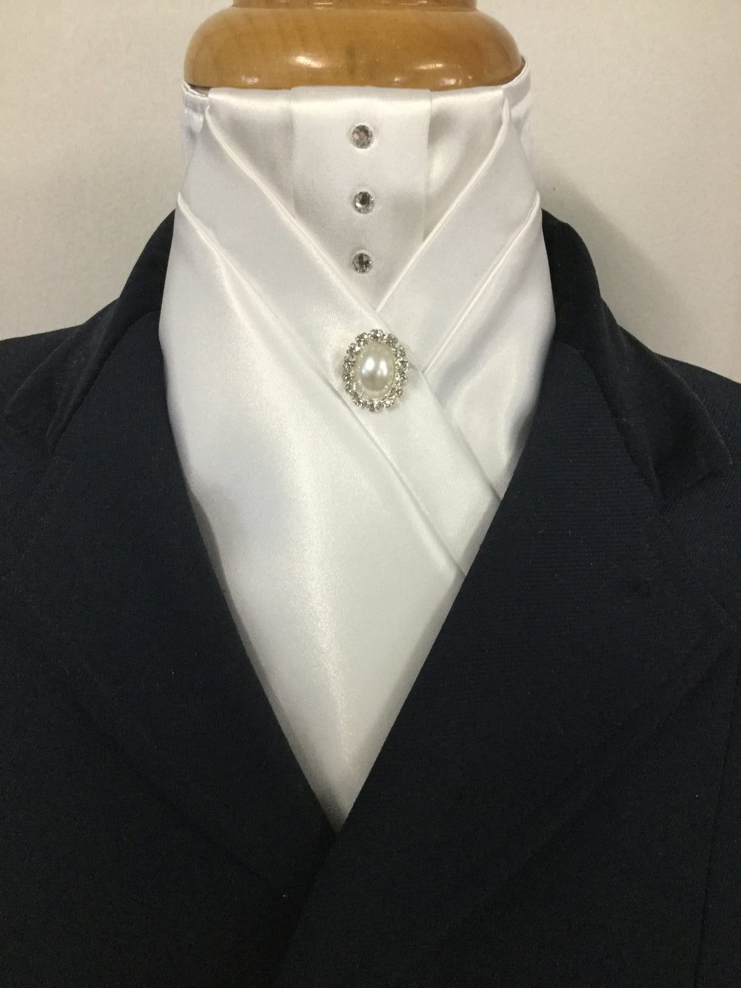 HHD 'Anna' White or Ivory Stock Tie with Swarovski Elements