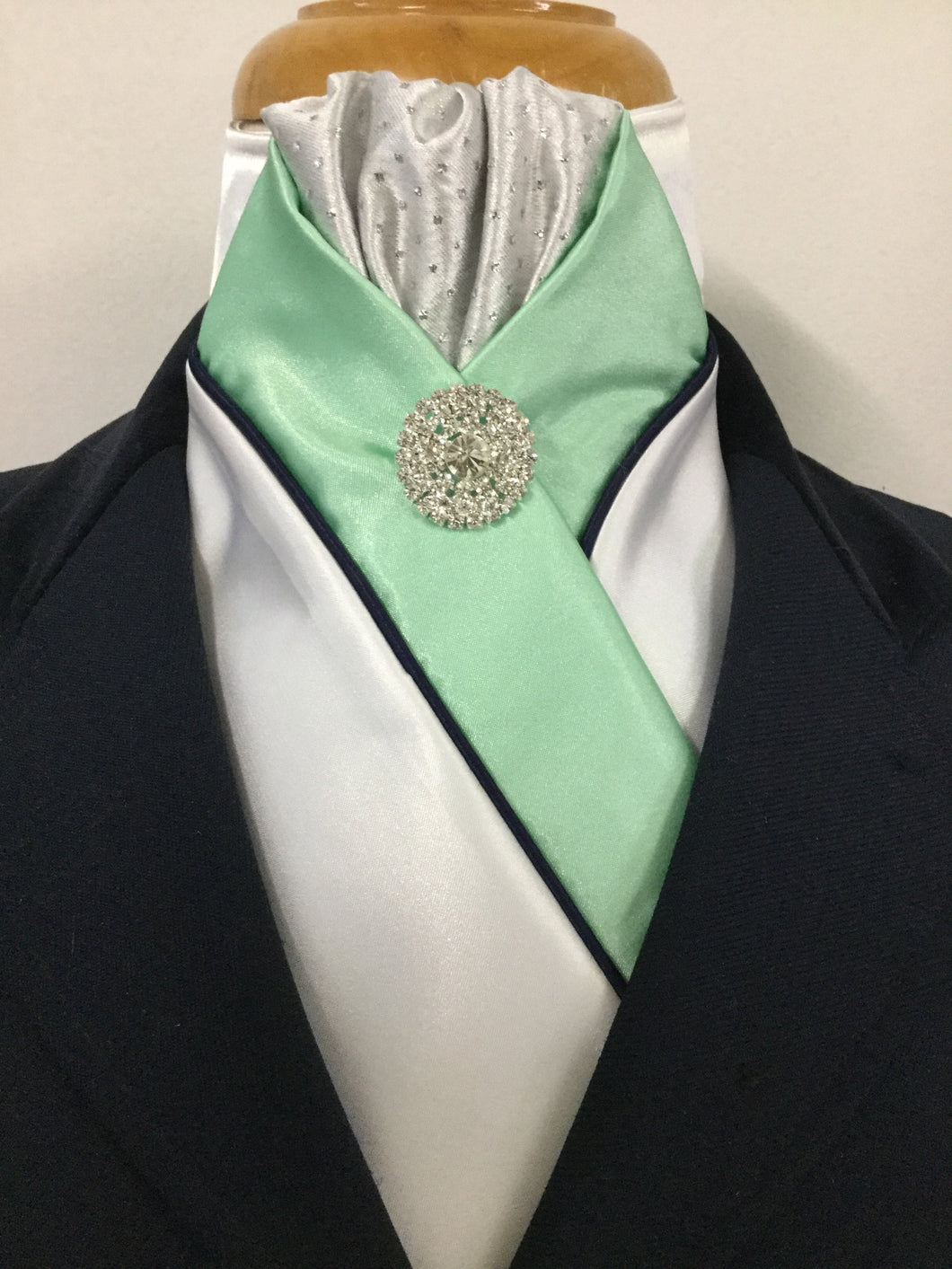 HHD 'The Royal' Pretied Stock Tie Silver Spot, Mint Green & Navy