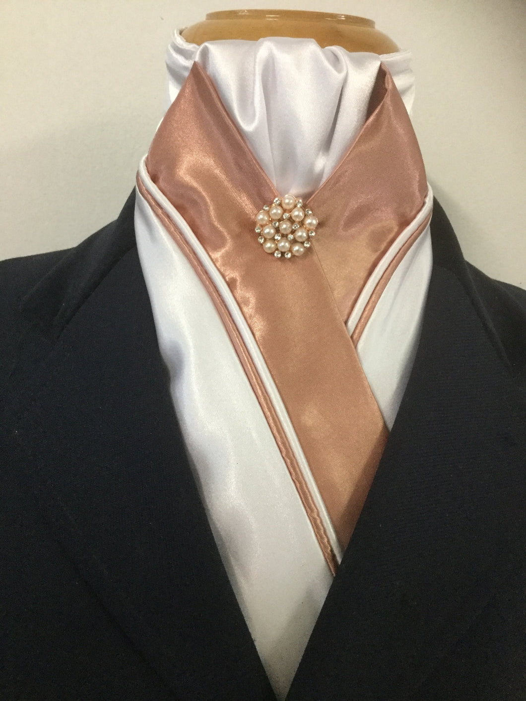 HHD 'Grace' Custom White & Rose Gold Dressage Stock Tie with a Pearl  Rhinestone Pin
