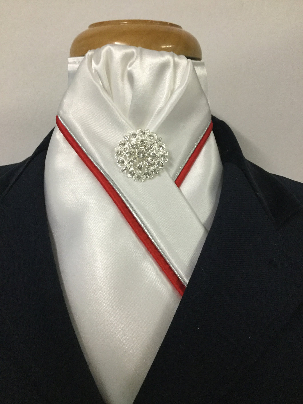 HHD White Satin Custom Pretied Stock Tie  Red & Silver Piping