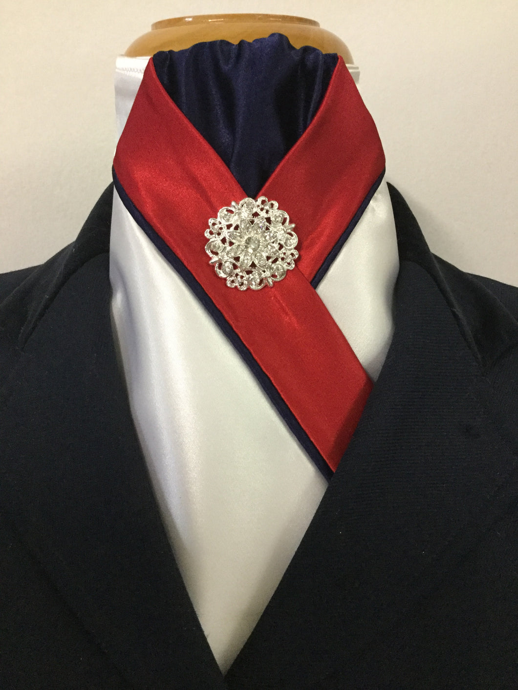 HHD 'The Royal' White Satin Pretied Stock Tie in Red & Navy Blue