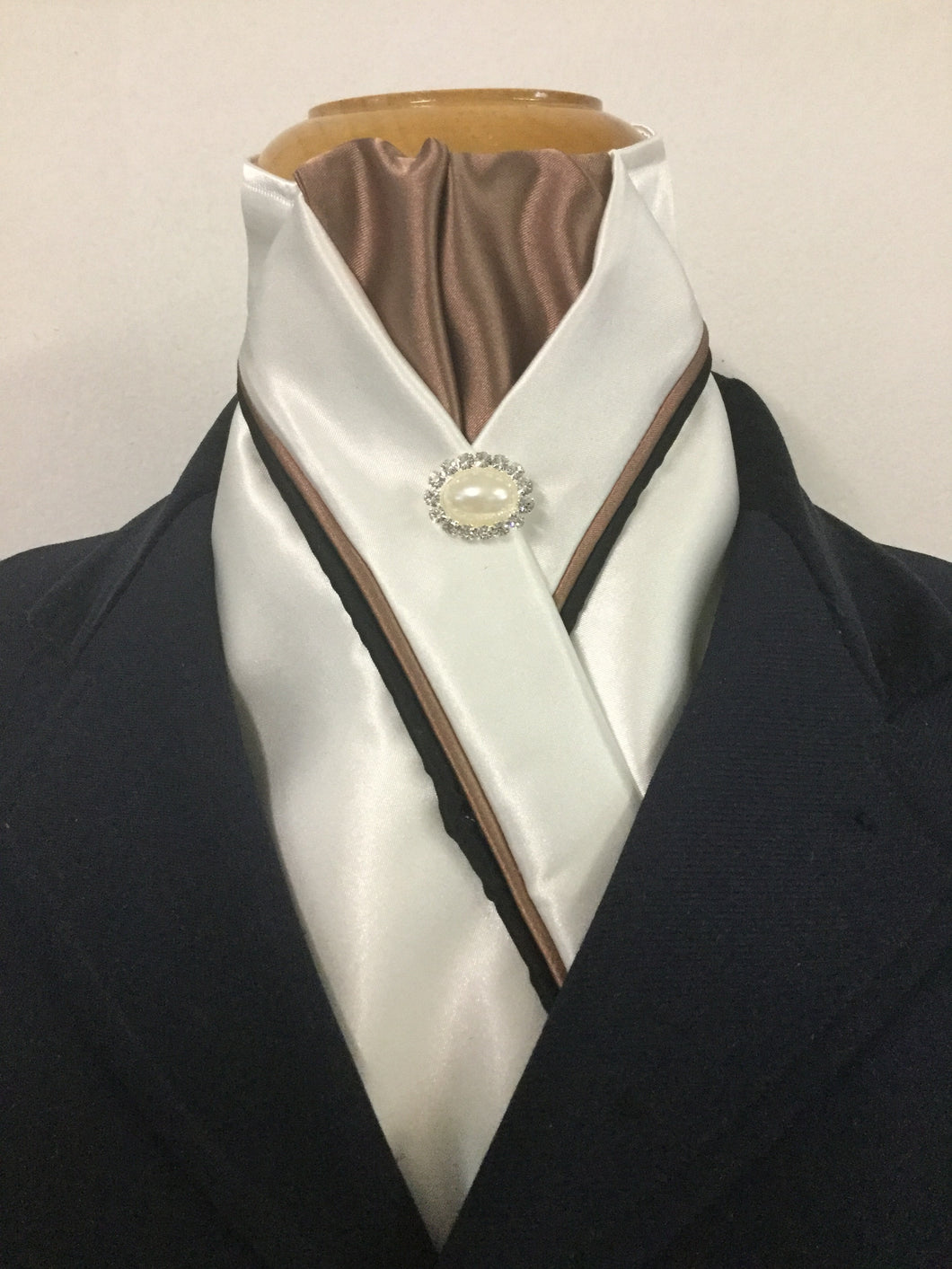 HHD Ivory Cream Custom Stock Tie in Antique Gold & Black Pearl Pin