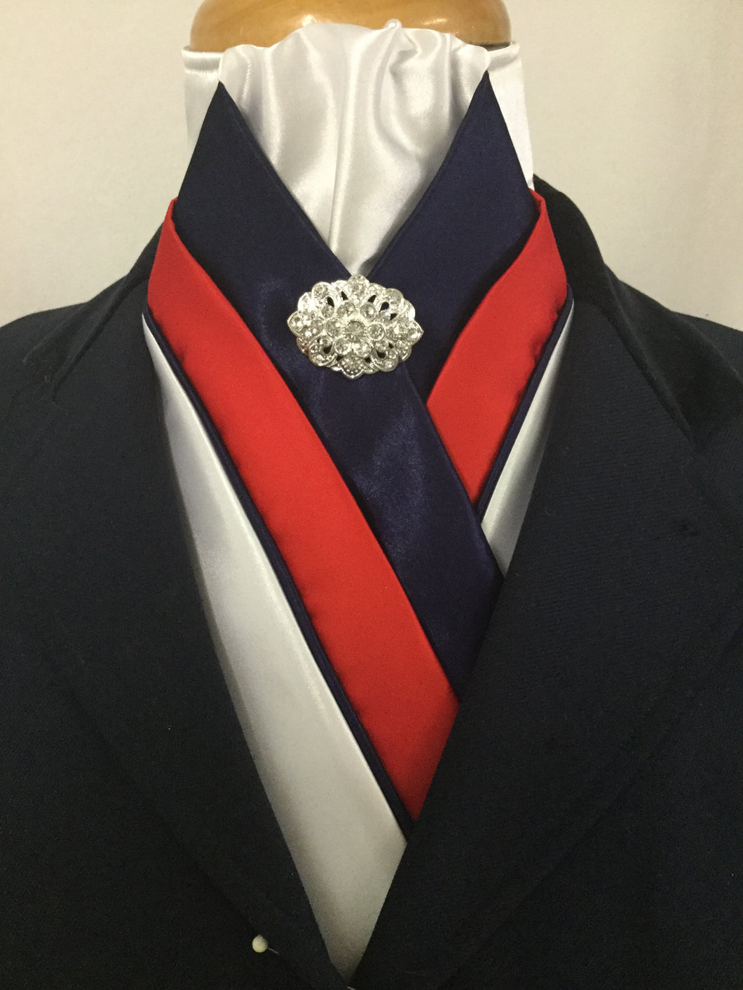 HHD 'The Royal' Custom Pretied Stock Tie Red White & Navy Blue🇦🇺