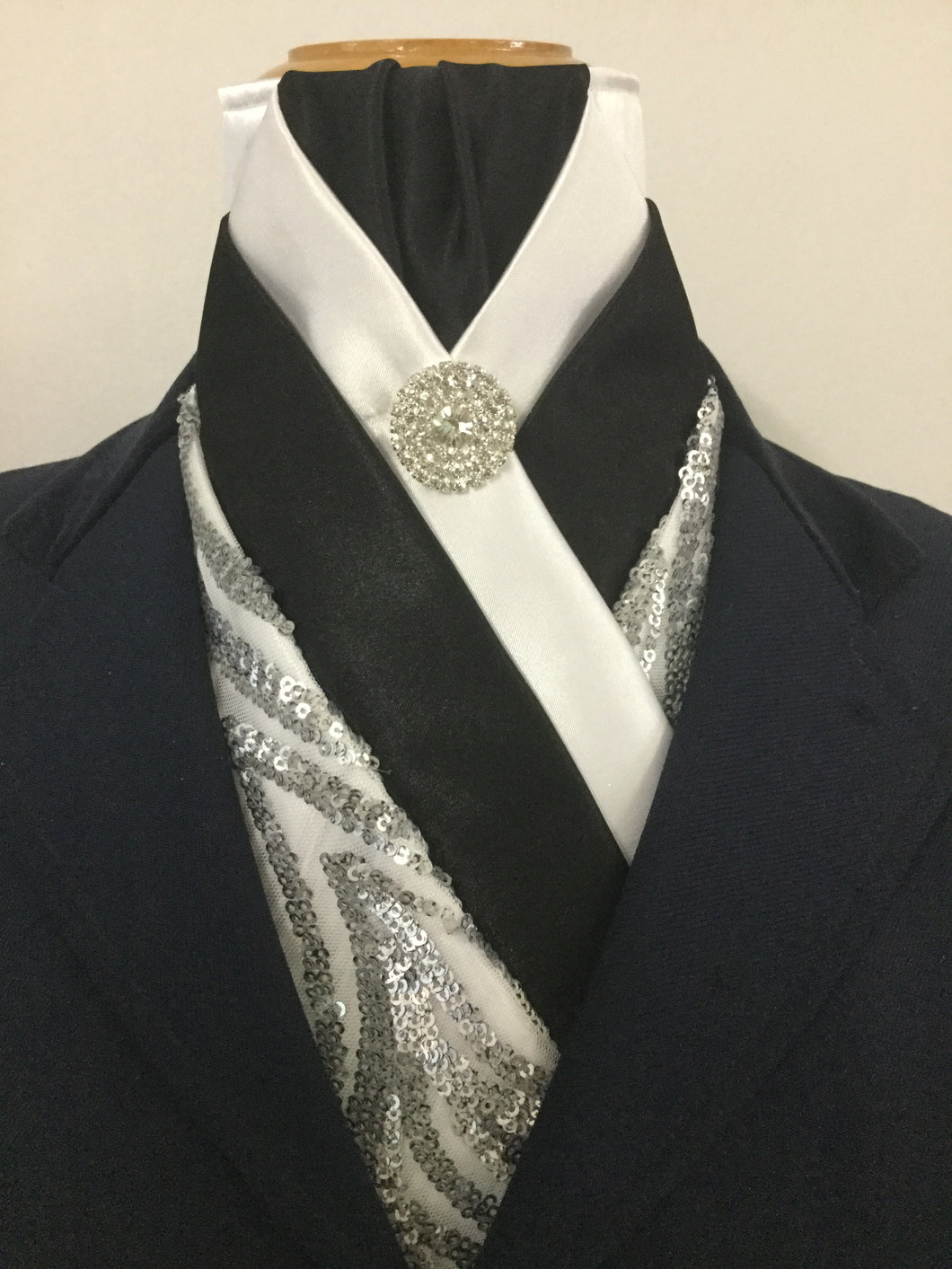 HHD 'Bella' White & Black Satin Pretied Stock Tie with Metalic Sequins