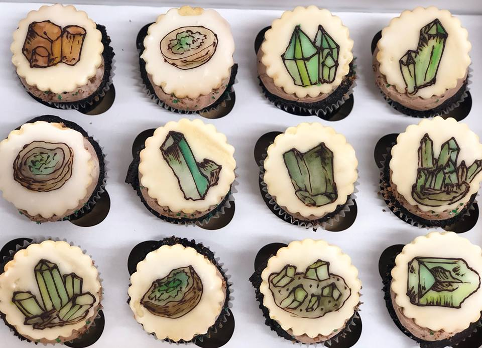 Custom Decorated Cupcakes