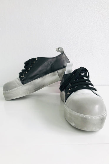 RUNDHOLZ BLACK LABEL BLACK/WHITE DESIGNER SHOE