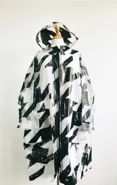 RUNDHOLZ BLACK LABEL BALCK AND WHITE RAIN COAT